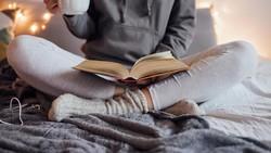 Beberapa penelitian menyebut tidur telanjang itu sehat. Tapi sebenarnya ini bukanlah hal yang paling nyaman untuk dilakukan. Ini alasannya.