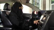 Dibolehkan Nyetir, Wanita Arab Saudi Resmi Dapat SIM