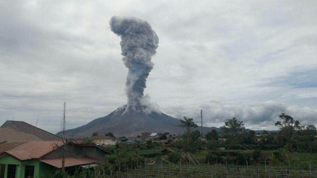 Analisis Ahli soal Peningkatan Aktivitas 3 Gunung di Ring of Fire