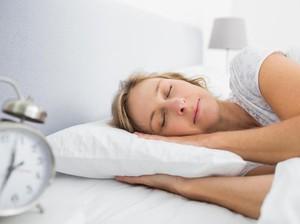 Ingin Wajah Bebas Keriput? Jangan Tidur Pakai Sarung Bantal Katun