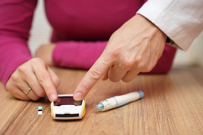 Pada diet normal, setelah makan makanan yang mengandung glukosa, kadar insulin Anda akan menjadi lebih tinggi. Tapi ketika Anda melakukan diet ketogenik ini, kadar insulin Anda akan turun, demikian kata Steve Hertzler, PhD, RD, pakar ilmiah di EAS Sports Nutrition. Foto: Thinkstock