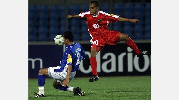 Kurniawan Dwi Yulianto menjadi pencetak gol terbanyak Indonesia di Piala AFF.