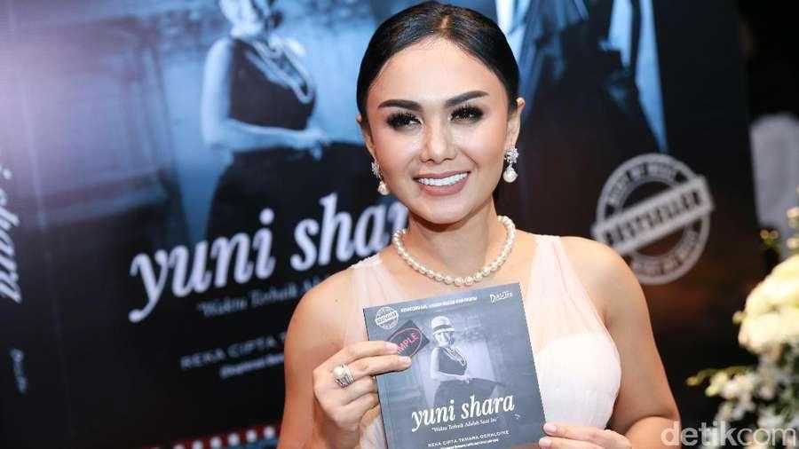 Yuni Shara Cantik Banget Sih!
