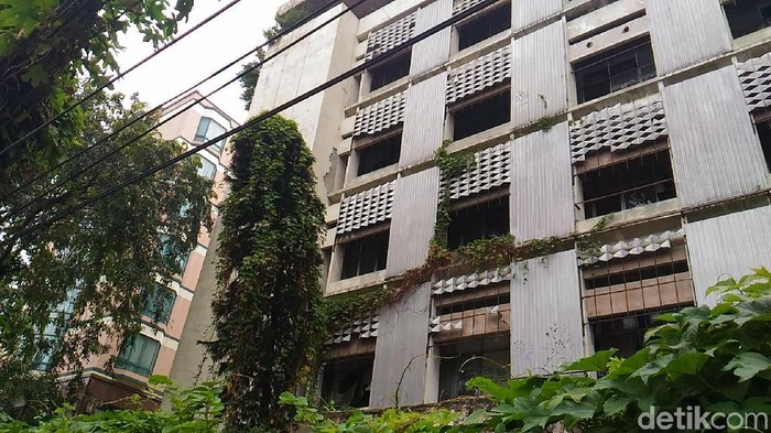 Melihat Gedung Yang Pernah Dipakai Pki Di Jakarta Pusat