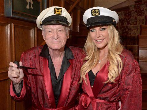Setahun Meninggal, Koleksi Baju Bos Playboy Hugh Hefner akan Dijual