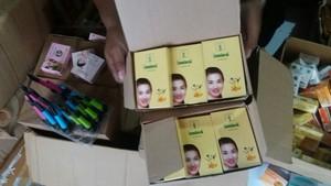 BPOM Surabaya Sita Puluhan Ribu Kosmetik Berbahaya dan Tak Berizin