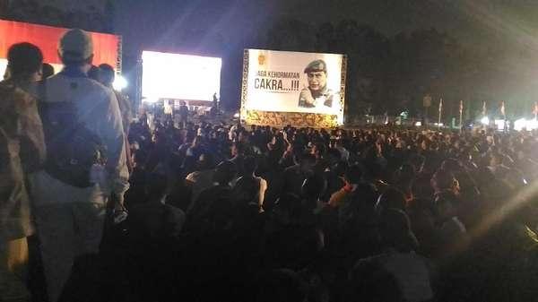 Divif-1 Kostrad Nobar Film G30S/PKI Bersama Warga Depok