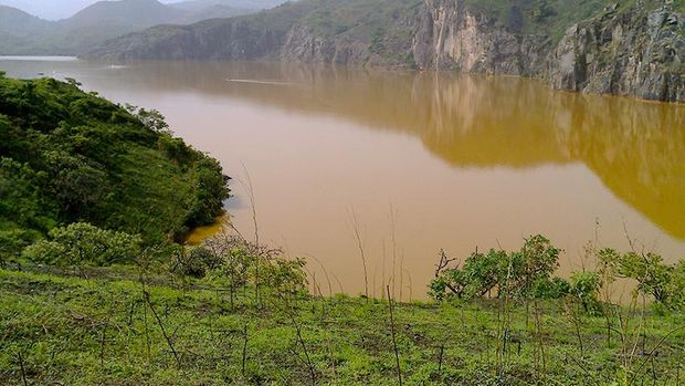 Danau Nyos sebenarnya adalah kawah vulkanik (eos.org)