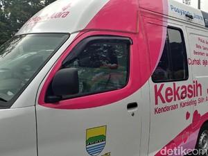 Mobil Kekasih Tempat Curhat Warga Bandung