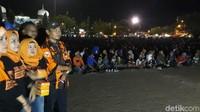 Ribuan Warga Brebes Nonton Bareng Film G30S di Alun-alun