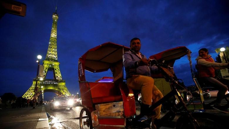 Menara Eiffel Paris, Prancis (REUTERS/Stephane Mahe)