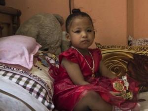 Bocah 3 Tahun di Nepal Dinobatkan Jadi Dewi Hindu