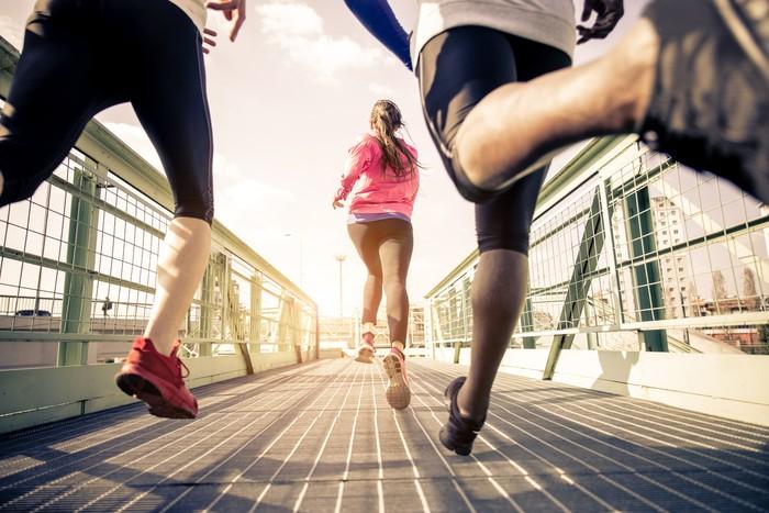 Ben Camara, seorang personal trainer kenamaan asal Inggris, mengatakan ada beberapa pilihan olahraga yang bisa dilakukan weekend warrior. Yang paling umum dilakukan adalah menghabiskan waktu 90 menit di hari Sabtu untuk melakukan kardio dan 90 menit di hari Minggu untuk latihan otot. (Foto: Thinkstock)