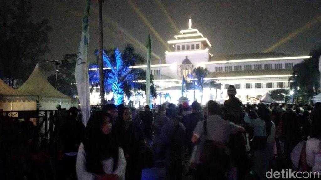 Warga Antusias Menikmati Ragam Acara Gedung Sate Festival