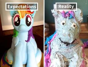 Ekspektasi Vs Realita, Lihat Tampilan Cake Gaga yang Dibuat Netizen Ini