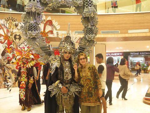 Jember Fashion Carnaval Sedot Perhatian Turis Asing di Bali