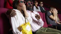 Siapa sangka, nonton film horor ternyata menyehatkan? Film-film seperti IT, Pengabdi Setan, dan sejenisnya bisa memberikan manfaat sebagai berikut.