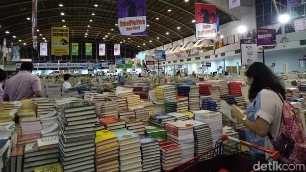 Belanja Buku ke Big Bad Wolf, Ini Tipsnya