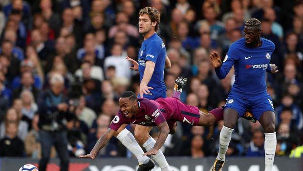 Tiemoue Bakayoko tidak bisa mengangkat prestasi Chelsea di Liga Inggris musim ini.