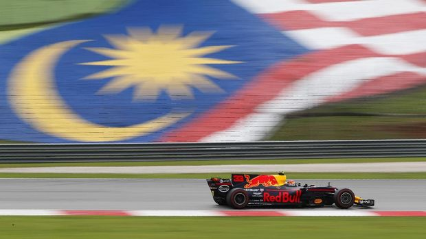 Formula One F1 - Malaysia Grand Prix 2017 - Sepang, Malaysia - October 1, 2017. Redbull's Max Verstappen in action during the race. REUTERS/Edgar Su