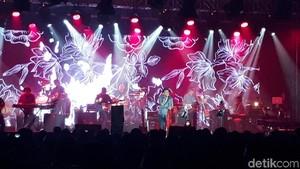 Konser #TNDMT Glenn Fredly untuk Slank Terasa Segar dan Spesial