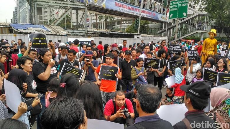 Koalisi Masyarakat Antikorupsi: Hakim Cepi Bikin Novanto Happy