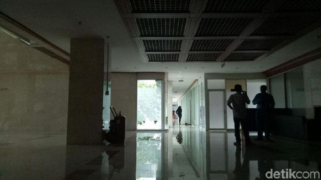Hari Pertama Kerja, Netizen Ribut Soal Mati Listrik