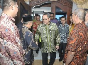 Ketua MPR: Pakai Batikmu dan Cintai Negerimu