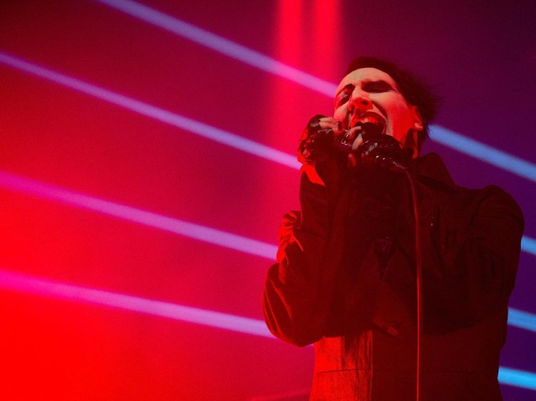 Tertimpa Properti Panggung, Marilyn Manson: Sakitnya Mengerikan