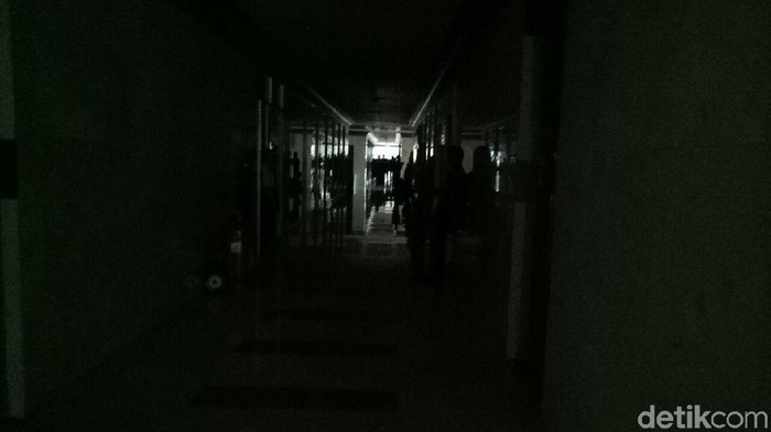 Gedung Nusantara II DPR mati lampu