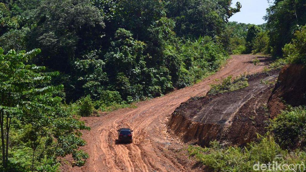 Jokowi Kebut Pembangunan Jalan Perbatasan RI-Malaysia di Kaltara