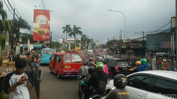 Penampakan Jalan Raya Bogor
