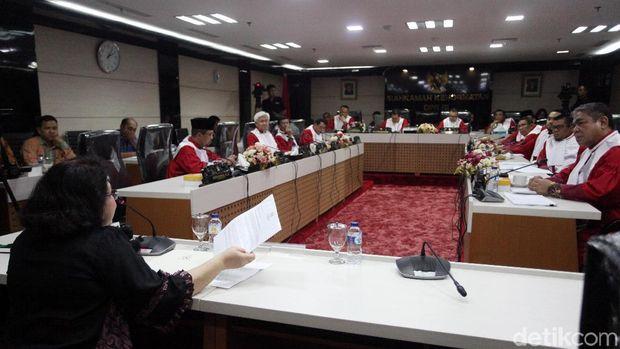 Elza Syarief di sidang MKD DPR
