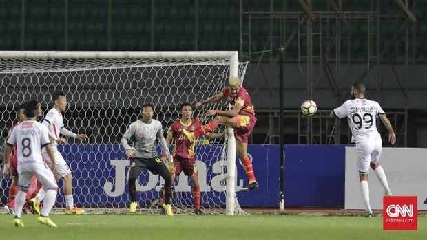 Awan Setho mengawal gawang Bhayangkara FC sejak 2017.