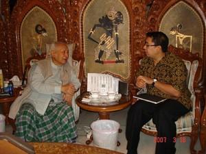 Kenangan Fadli Zon dan Catatan Kesehatan Soeharto 1999-2008