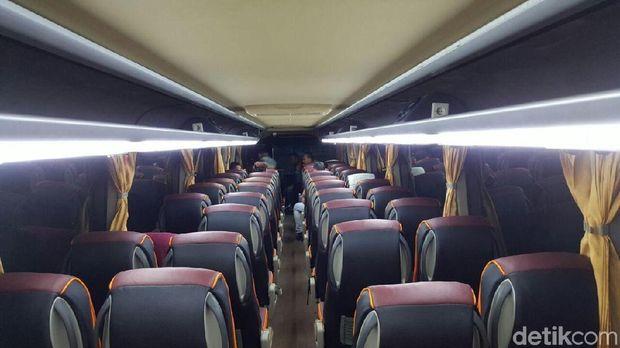 Ini Tampang Bus yang Bisa 'Telan' Motor di Perutnya