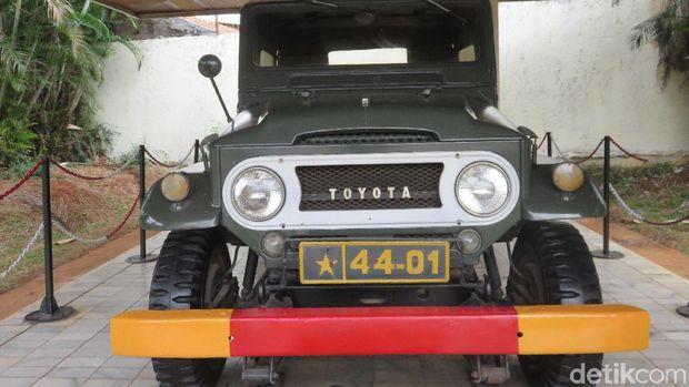 Toyota Land Cruiser yang pernah digunakan Soeharto saat masih menjadi Mayjen