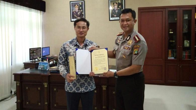 Ungkap Kejahatan, Polres Jaksel Dapat Penghargaan Kedubes Korsel