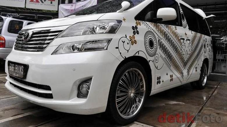 Mobil bercorak batik VJ Daniel. Foto: Dok. detikOto