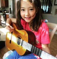 Kenalan dengan Ella Gross, Bocah 9 Tahun yang Sukses Jadi Model Dunia