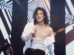 Michael Jackson Hidup Lagi