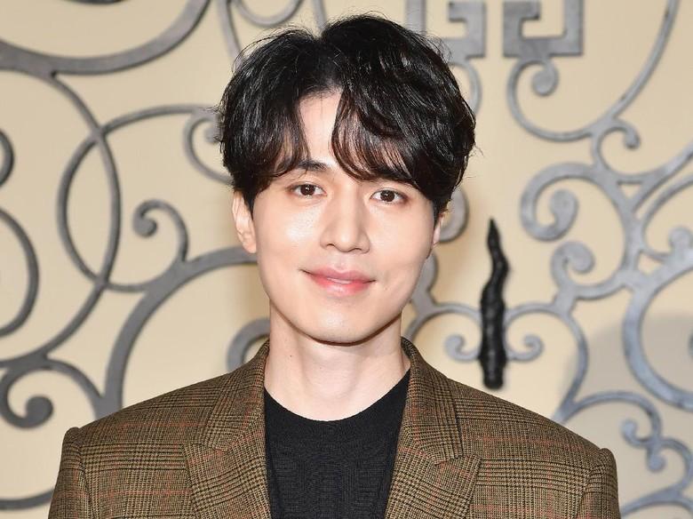 Lee Dong Wook Sebut Akting Bikin Stres