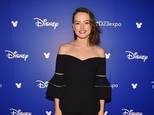 Daisy Ridley Berambut Pirang di Film Terbaru