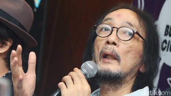 Hujan Iringi Pemakaman Yockie Suryo Prayogo