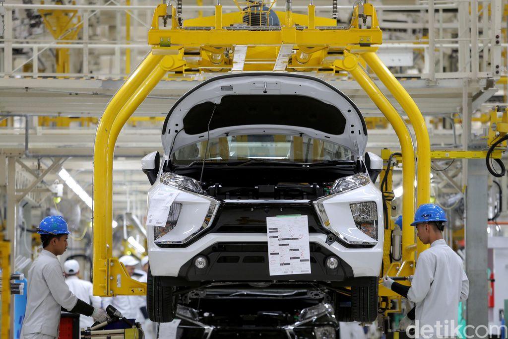 Pabrik MMKI memproduksi Mitsubishi Xpander.