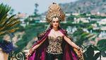 Agnez Mo Tampil Seksi dengan Batik