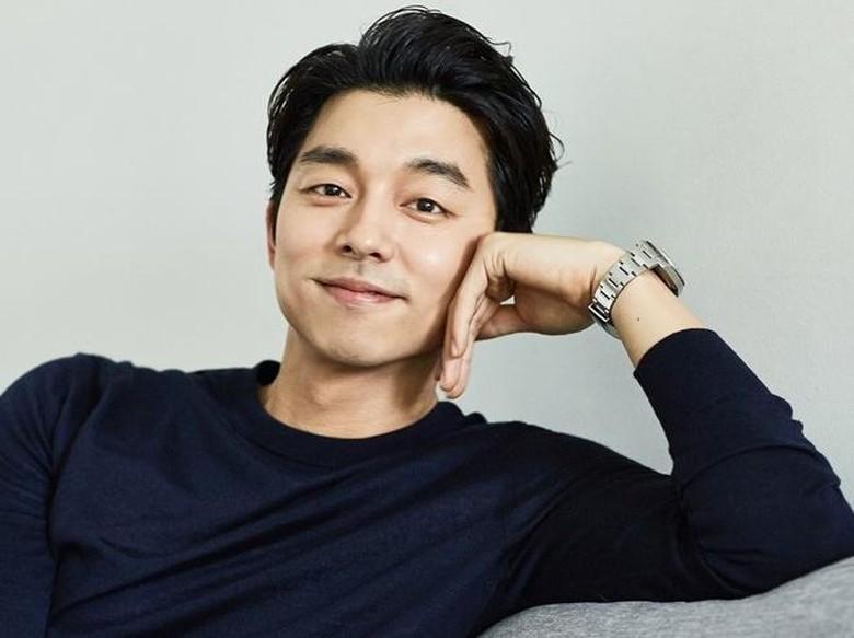 Gaya Rambut Berantakan Gong Yoo, Yay or Nay?