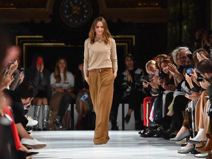 Stella McCartney di Paris Fashion Week. (Foto: Pascal Le Segretain/Getty Images)