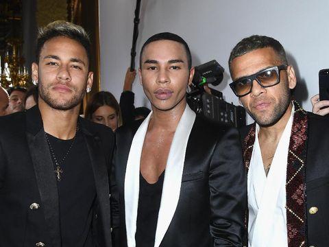 Neymar Jr. bersama Olivier Rousteing dan Daniel Alves.