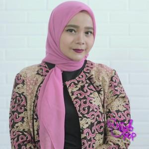 Tutorial Hijab Super Simpel ala Ibu-ibu Pejabat